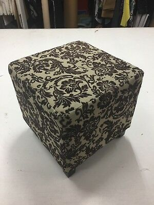 Retail Shop or Fitting Room Ottoman Seat