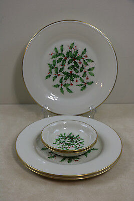 Lenox China Holiday Christmas Holly With Gold Trim Lot Of Dishes & Bowls 5 Pc