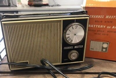 Vintage Channel Master Solid State Model 6210 Transistor AM Radio Battery or AC