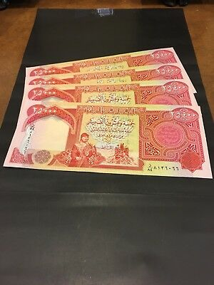 Iraqi 4 X 25000 Total 100,000 Dinar. UNC . Sequential SR Numbers.