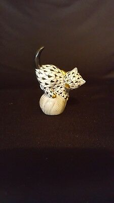 Vintage Herrend fishnet black/gold cat on yarn ball marked