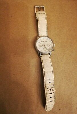 9a4a574e5ae5 MICHAEL KORS LADIES Watch Leather Strap - requires a new battery ...