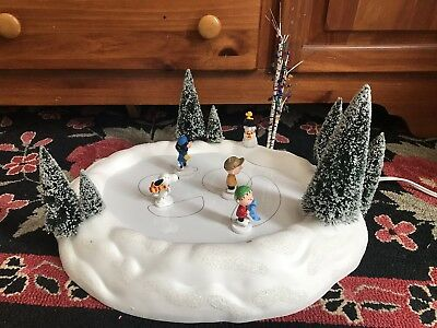 Department Dept 56 Snoopy PEANUTS ON ICE Christmas Display - ITEM DOES NOT WORK