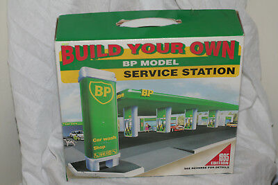 Build Your Own Toy BP Model Service Station Kit Easy Assembly