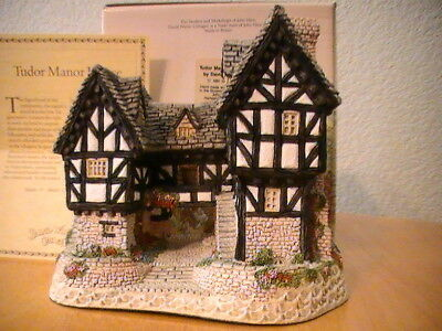 1981 David Winter Cottages TUDOR MANOR HOUSE Signed by David Winter/Original Box