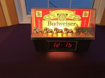Vintage Budweiser King of Beers lighted Bar Clydesdale sign with digital clock