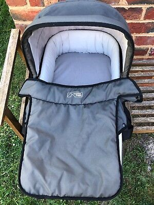 mountain buggy bassinet charcoal colour