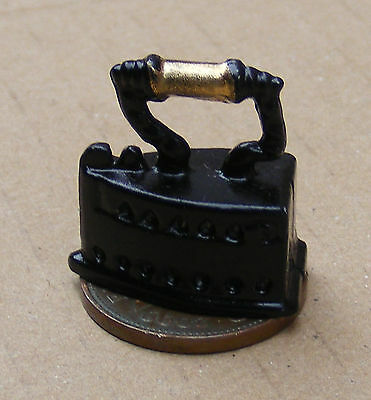 1:12 Scale Victorian Metal Iron Dolls House Miniature Kitchen Laundry Accessory
