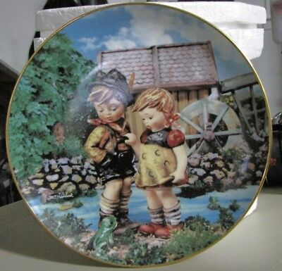"""M J Hummel Plates Plate Collection """"Hello Down There"""" B3823"""