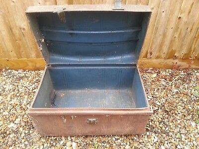 Offers Please for this Large Rusty Metal Tin Storage Box / Chest 69 x 44 x 46 cm