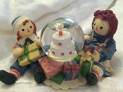 "Raggedy Ann and Andy ""BIRTHDAYS ARE MORE SPECIAL WHEN SHARED"" ENESCO WATERGLOBE"