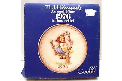 1976  M.J. Hummel Annual Collector Plate Goebel With Original Box