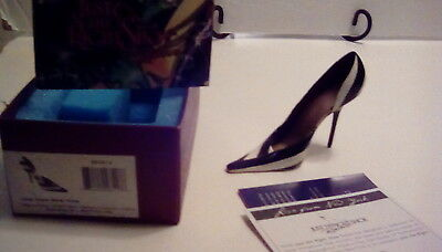 Just the Right Shoe Live from New York Mini shoe collectible