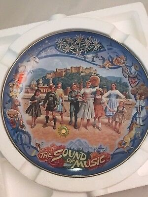 """SOUND OF MUSIC Musical PLATE """"A Drop of Golden Sun"""" Vintage 1995 Knowles Collect"""