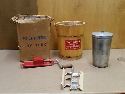 2 Quart Vintage Ice Cream Maker Toy Town Freezer Co Early Complete in box