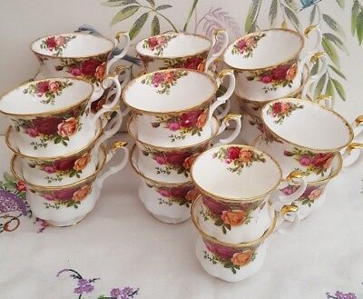 """Job lot of 19 Royal Albert """"Old Country Roses""""  Cups TRADE USE ????"""