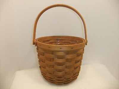 Longaberger 1991 Medium Fruit Basket With Protector VERY NICE!!