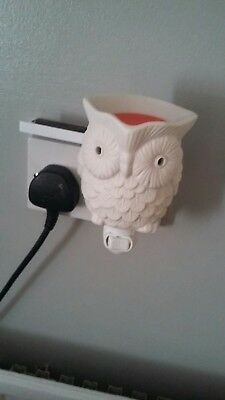 Whoot Scentsy Mini Warmer With Spare Alabaster Shade