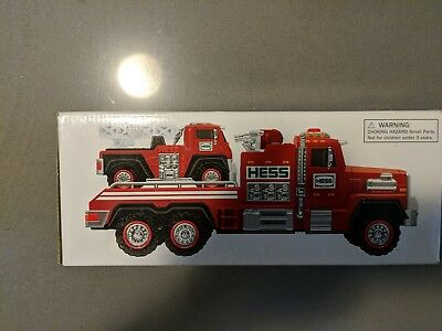 2015 HESS  FIRE TRUCK & LADDER RESCUE with box