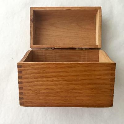 Vintage Wood Recipe Box Cooking Baking Oak Stain Holds 3x5 Cards File Address