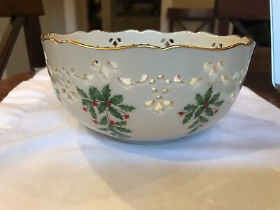 Lenox Holiday Holly Berries Pierced Round Christmas Bowl with Gold Trim