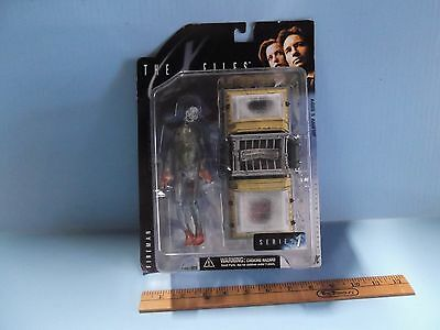 "The X-Files Series 1  Fireman 6""in Figure w/Cryolitter McFarlane Toy's 1998"