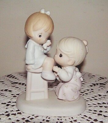 """Precious Moments Figurine """"You Are Always There For Me"""" # I63600 Enesco ©1995"""