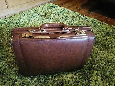 Brown Leather Doctors Bag vintage with lock and keys never used