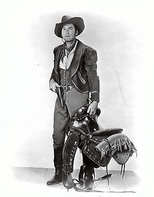 photo ERROL FLYNN, CAPTAIN BLOOD, ROBIN HOOD, SAN ANTONIO