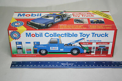 MOBIL Collectible Toy Tow Truck - 1995 3rd in Series