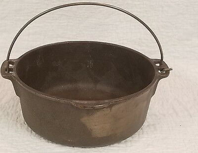 Vintage Wagner Ware Cast Iron 5 quart Dutch Oven no Lid