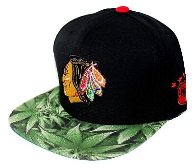 PICK1- Chicago Blackhawks Lime Weed Brim Mitchell & Ness SnapBack Black / Red