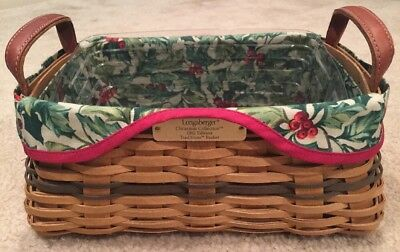 Longaberger 2002 CHRISTMAS TRADITIONS Basket, Liner, and Plastic Protector