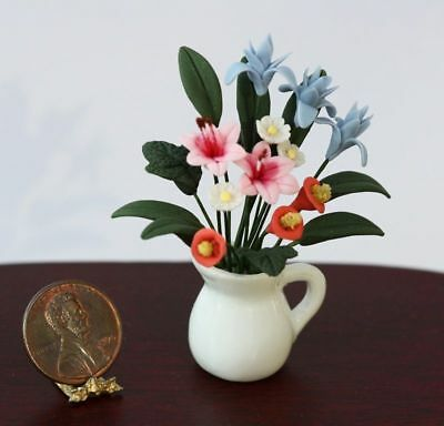 Dollhouse Miniature 1:12 Floral Bouquet in a Porcelain Vase