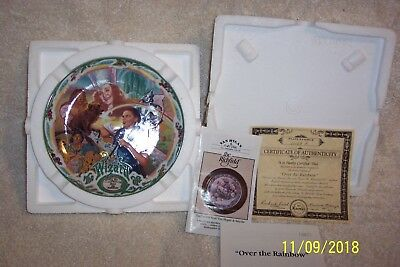 """Knowles The Wizard Of Oz """"Over the Rainbow"""" Musical Bradex Collector Plate"""