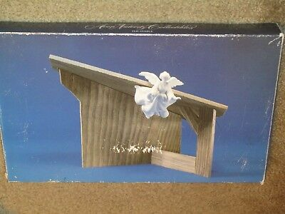 """Avon Nativity Collectibles 1985 """"The Stable"""" NEW in box that shows wear"""