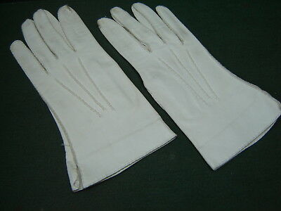 Vintage 1960s Milore With Tag Winter White Ivory Soft Leather Ladies Gloves 7½