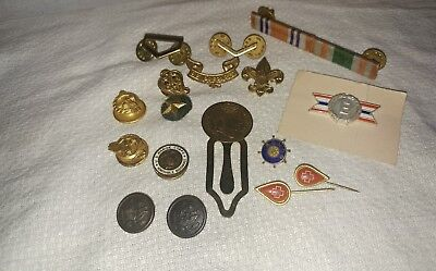 NICE! Lot of Vintage WWI or WWII Buttons, Various Military Pins, & Misc.