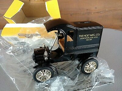 "Ertl CAT ""Caterpillar"" 1905 Delivery Car Coin Piggy Bank #7709 Locking w/key"