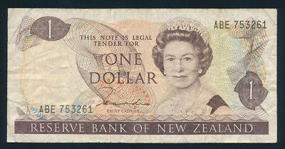 "New Zealand: 1981 $1 Hardie QEII Portrait SCARCE NAME PREFIX ""ABE"". Pick 169a"