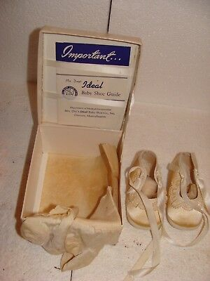 ",,vintage Pair Of ""mrs. Day's / Ideal Baby Shoes""  With Socks In Original Box."