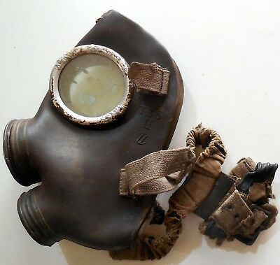 VINTAGE ITALIAN GAS MASK WWII T35  MADE IN ITALY SECOND WORLD MONDIAL 1940s