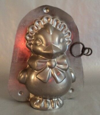 Alte Schokoladenform Küken mit Hut  Vintage chocolate mold Bird Chicken Bonnet