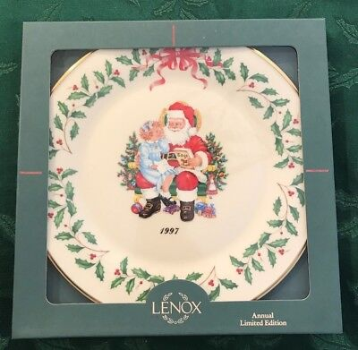 Lenox 1997 Annual Holiday Christmas Plate 7th in Series MIB