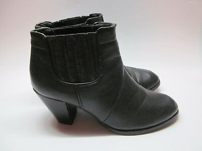 1673ad3a3c09 Women s Bongo Black Fashion Ankle Boots Black Size 8 Easy Pull On Boot Size  8M