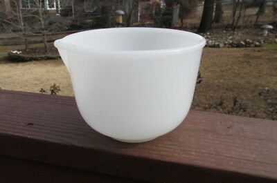 Vintage White Glasbake for Sunbeam  20cj Mixing Mixer bowl with Spout  EX Used