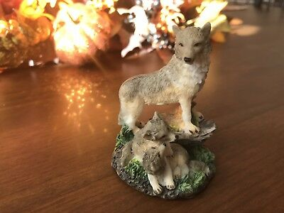 "WOLF FIGURINE 2 1/2"" With Pups On Rocks Brown Gray Resin LIPCO"
