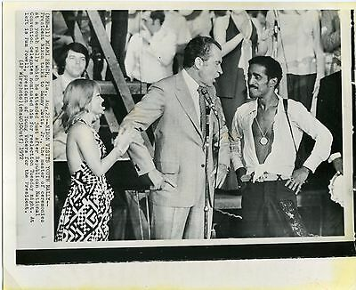 Sammy Davis Jr. Richard Nixon in Miami Beach 1972 original wire photo