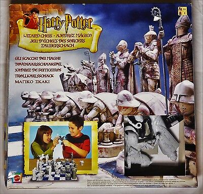 Harry Potter Wizards Chess ©2002 Mattel 32-Piece Set Complete