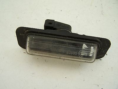 Toyota Avensis number plate light